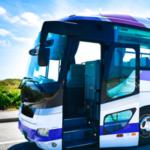 紫色のバス